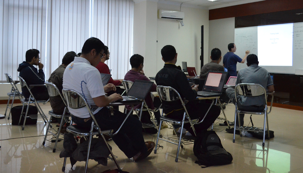 Pelatihan Teknologi Informasi Program Oracle